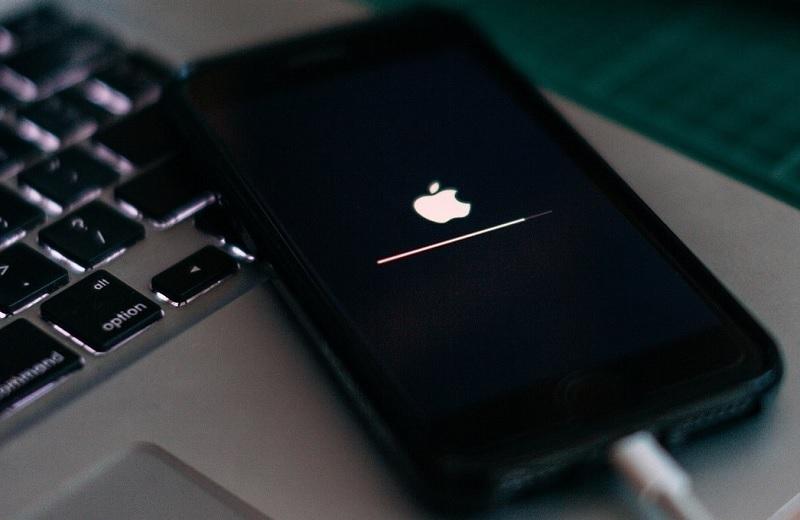 iPhone stuck in boot loop part1