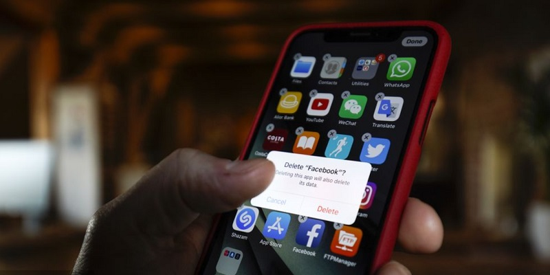 iphone keeps turning off slacking apps